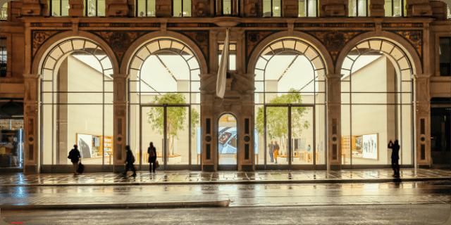 UK Apple Retail Stores reopen. Image: Apple Regent Street in London