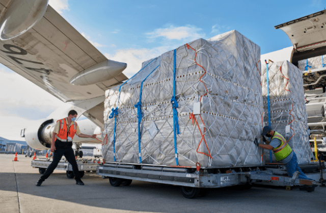 At UPS Worldport in Louisville, Kentucky, UPS's worldwide air hub, logistics specialists provided support for the global launch of iPhone 12, iPhone 12 Pro, and iPad Air.