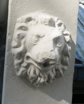 Qld Terrace Lion Head v