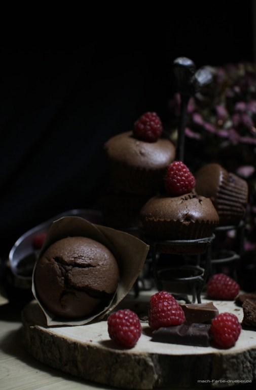 Schokomuffins mit Himbeeren und Toblerone