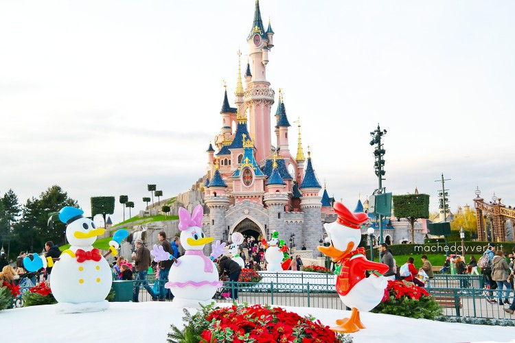 When Does Disneyland Paris Decorate For Christmas