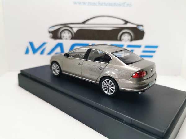 VW Passat B7 2011 PEARLSILVER 6