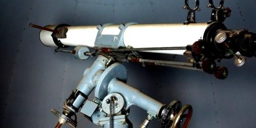 旧筑波西中学校の天体望遠鏡
