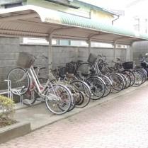 自転車・バイク置場(無料です)