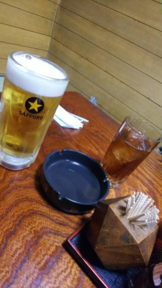 ビールとウーロン茶で乾杯(東舘・女性)
