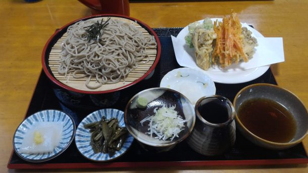 It was my first time eating at the Takigawa Noodle Shop. The food was delicious!(滝川の里での食事は初めて。料理がおいしい!)