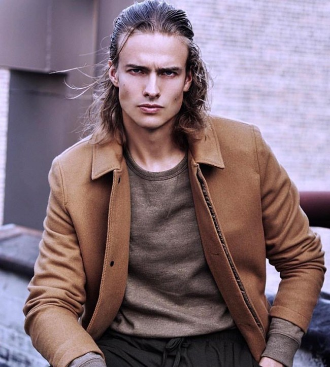 12 Cool Hairstyles For Men With Wavy Hair
