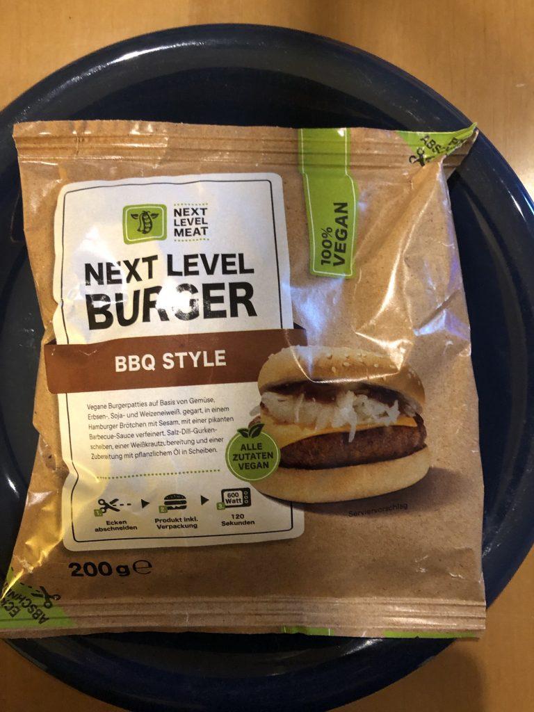 Next Level Meat Burger BBQ Style - Die Verpackung sieht vielversprechend aus.