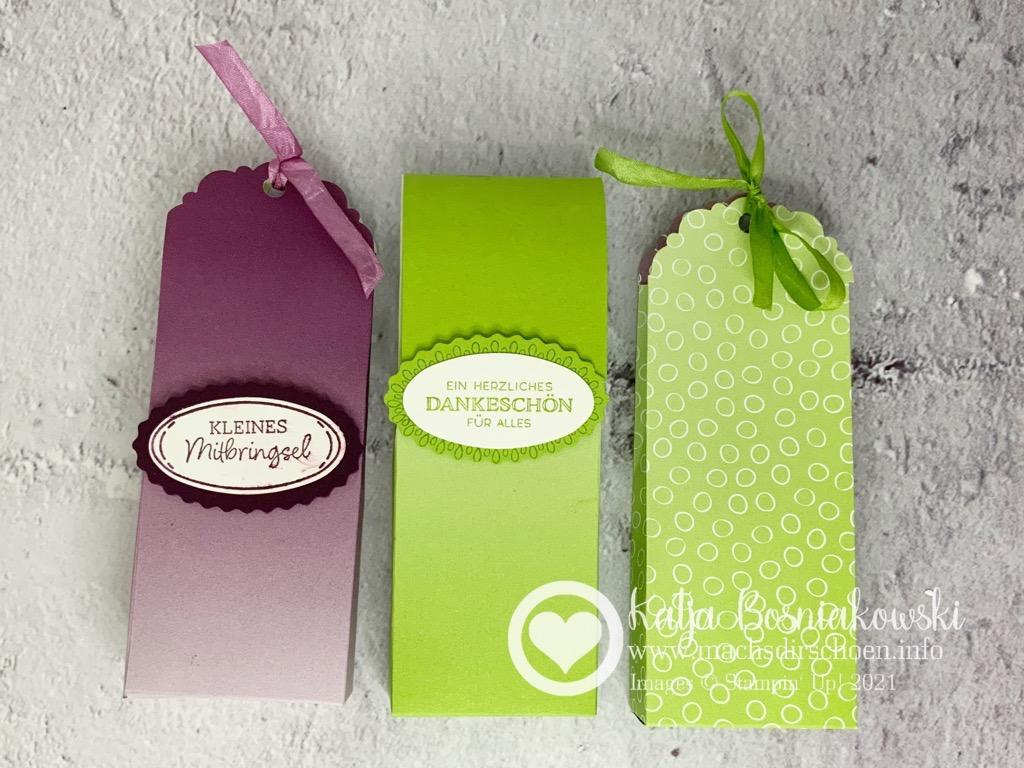 kleine Geschenktüte in verschiedenen Farben schnell selbergemacht