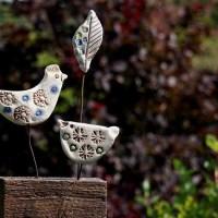 Vogel-MutantenKeramik und Altholz