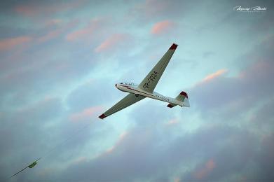 Lotnisko Szymanów, szybowce, samolot, zachód słońca