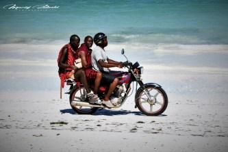 Zanzibar-Masajowie-Masajki-Ocean-Owoce-warzywa-plaża-ludzie-Małpka-Fot.Macie-110