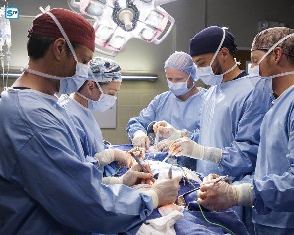 Grey's Anatomy, 12x23 (16)