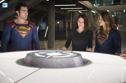 supergirl-2x2-16