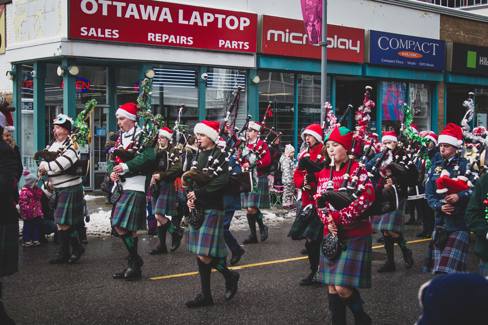 Bag Pipes, Band, Marching, Parade, Santa