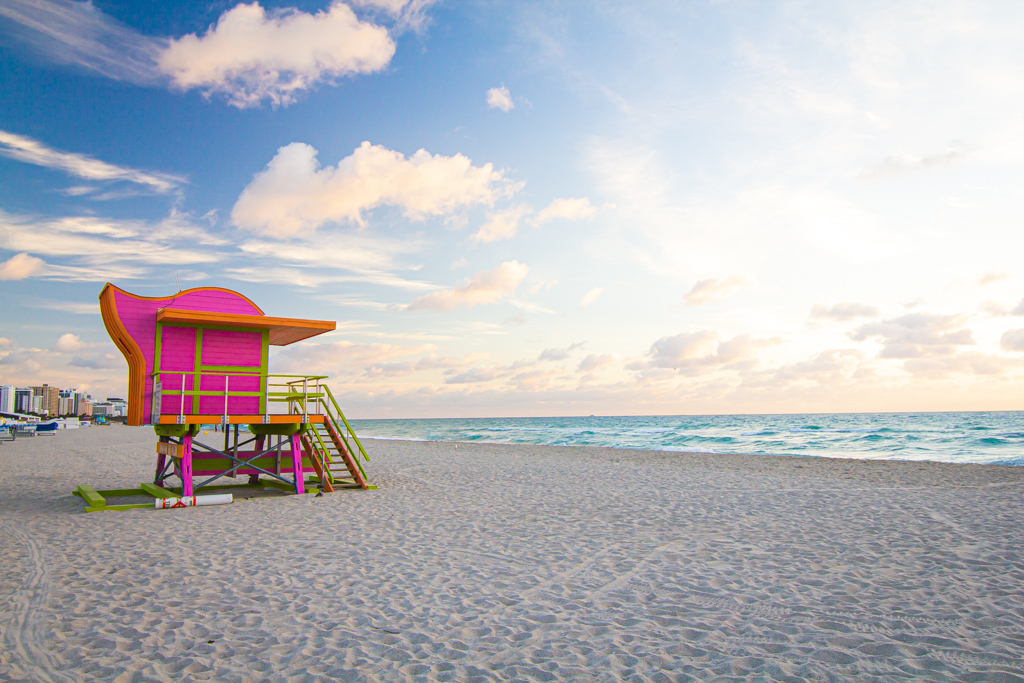 Pink lifeguard hut on Miami's South Beach