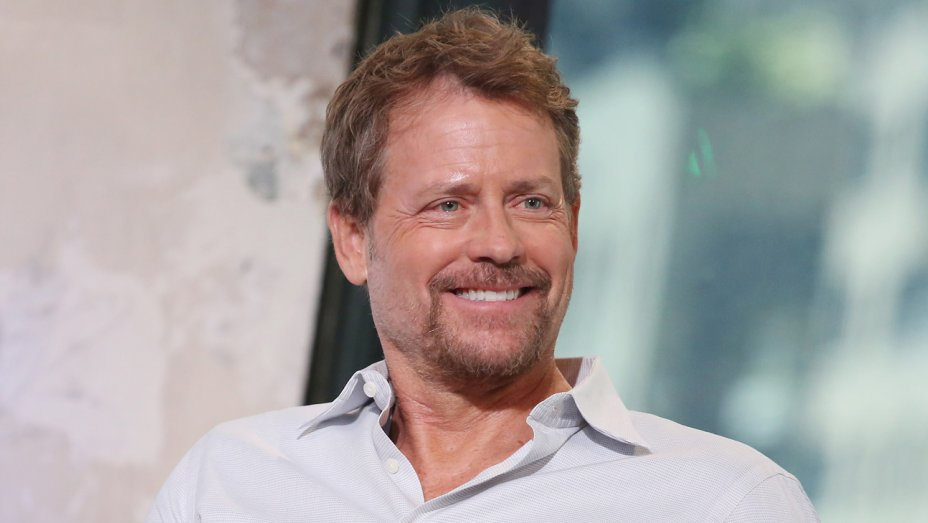 greg_kinnear_-_getty_-_h_2017