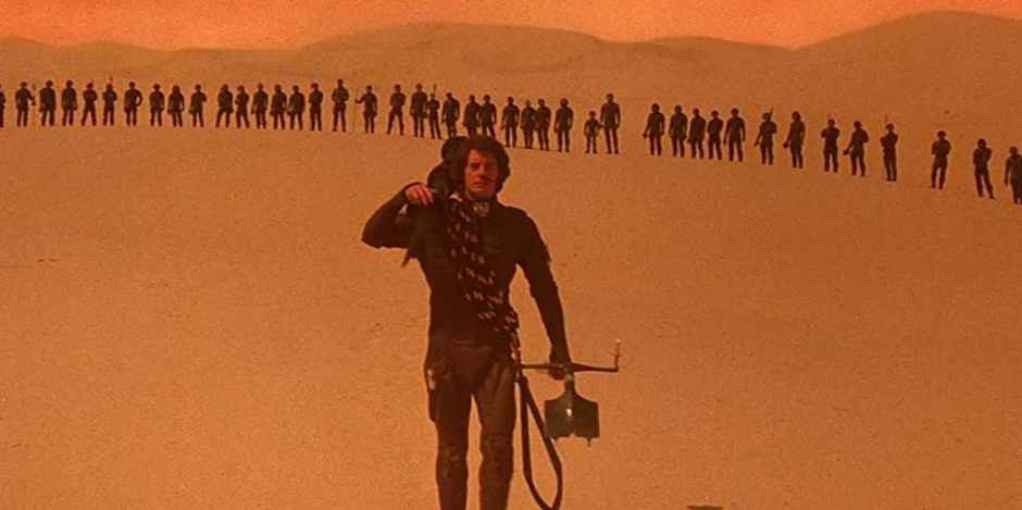 paul-atreides-crosses-the-desert-of-arrakis-with-his-army-in-tow
