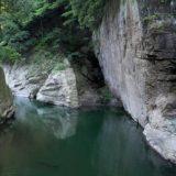 絶景・難所・猿橋の渓谷をドローンで空撮、山梨県大月市猿橋町猿橋