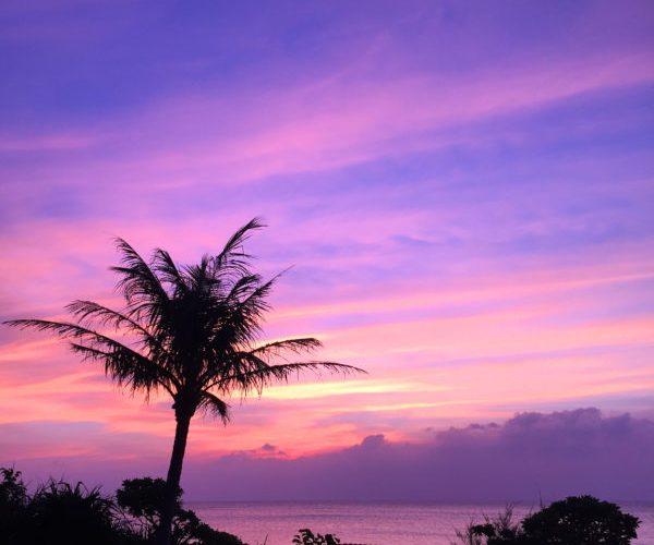 【ブセナビーチ・沖縄】紫色の夕焼け、初めて見た、部瀬名ビーチ 2015年10月