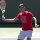 【テニス】ボレーで手首が痛いときの対策
