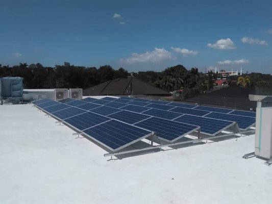 Sika Uni-Anchor used as anchor and support of solar panels on Sika Sarnafil installation