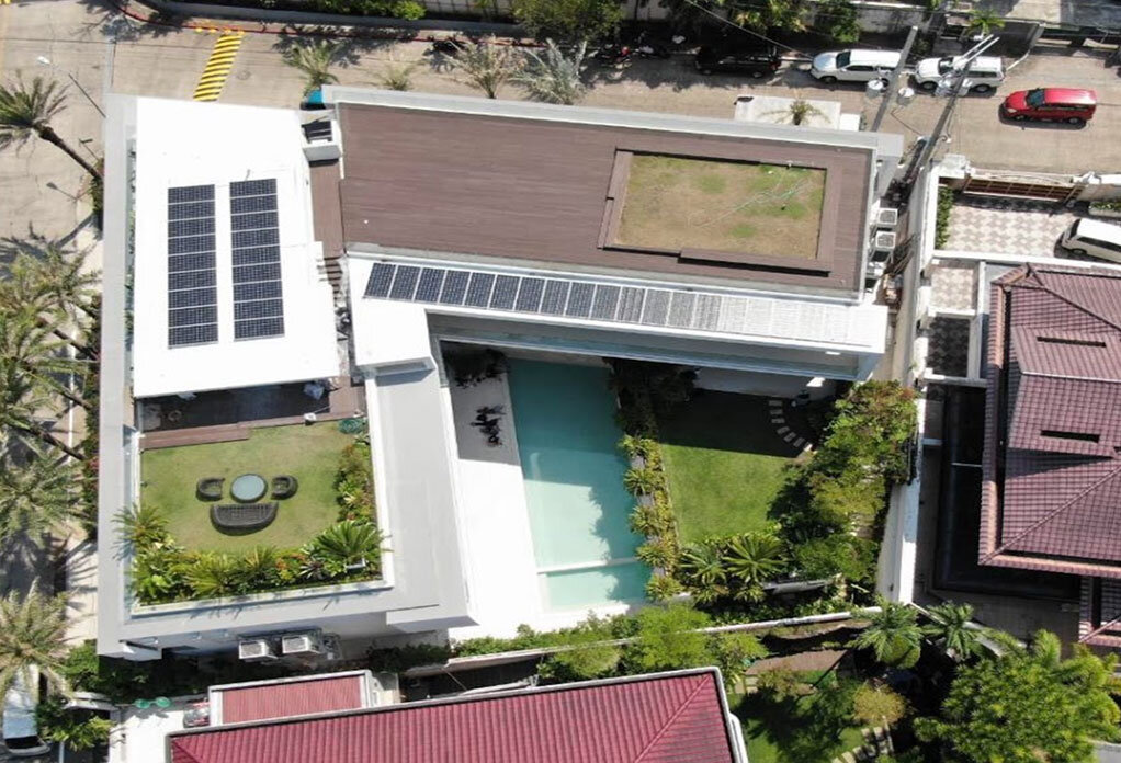 Green roofs and solar