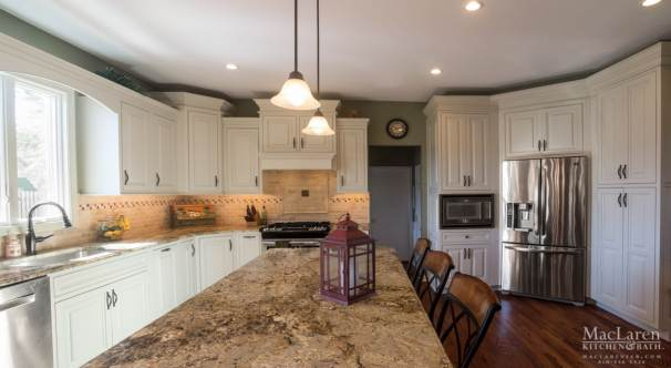 Golden Beach Granite Island and Perimeter Countertops with an Ogee Edge