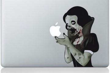 "Adesivo da ""Branca de Neve Zumbi"" num MacBook Pro"
