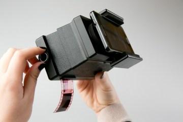 Smartphone Film Scanner, da Lomography