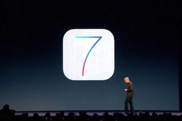 Tim Cook apresentando o iOS 7