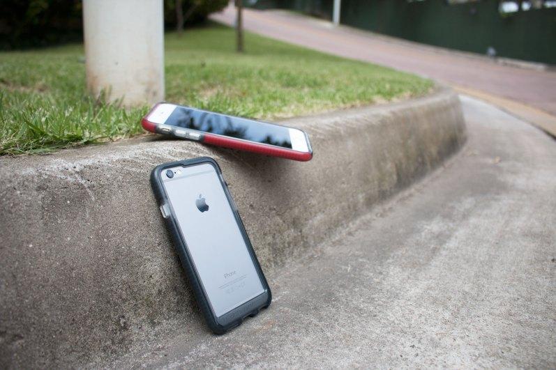 Capa Evo Band para iPhones, da tech21