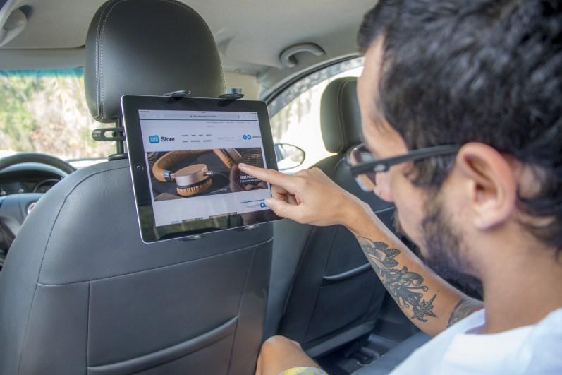 Suporte veicular SmartGrip para iPads, da Mobimax