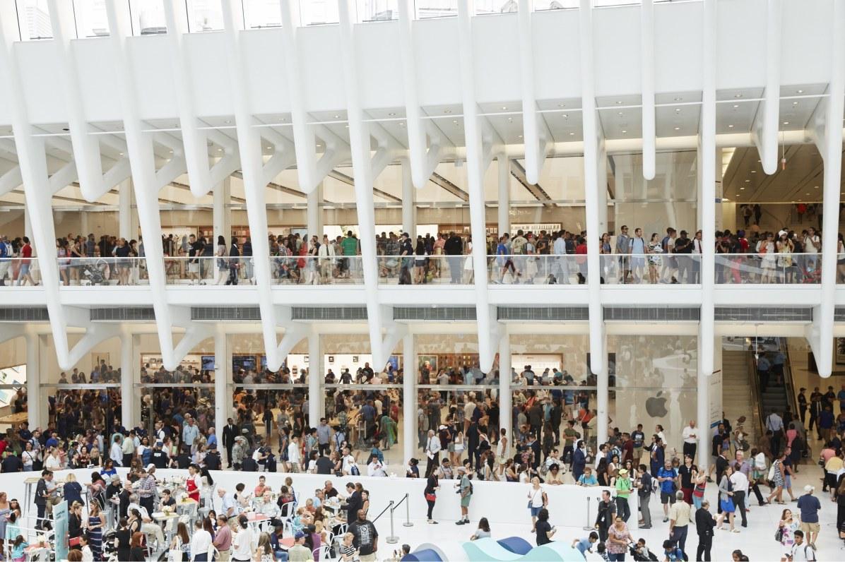 Foto oficial da inauguração da Apple World Trade Center (Apple Store)