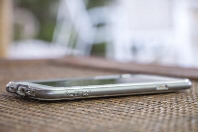 Capa Crystal Hybrid para iPhone 7, da Spigen