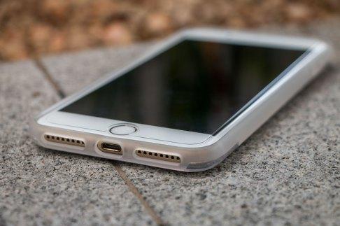 Case Scene para iPhones 7/7 Plus, da X-Doria