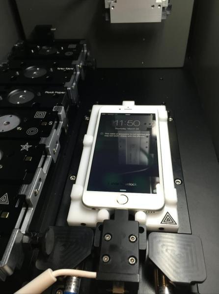 Máquina de calibração de iPhones das Apple Stores