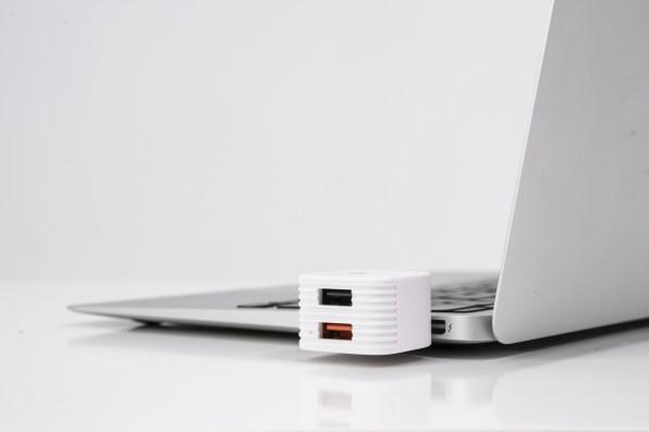 HyperCube conectado ao MacBook Air