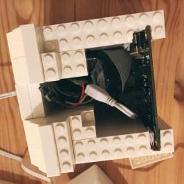 Macintosh LEGO funcionando