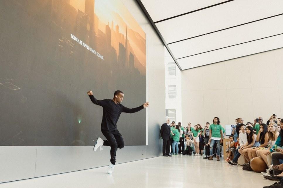 "Estreia do programa ""Today at Apple"""