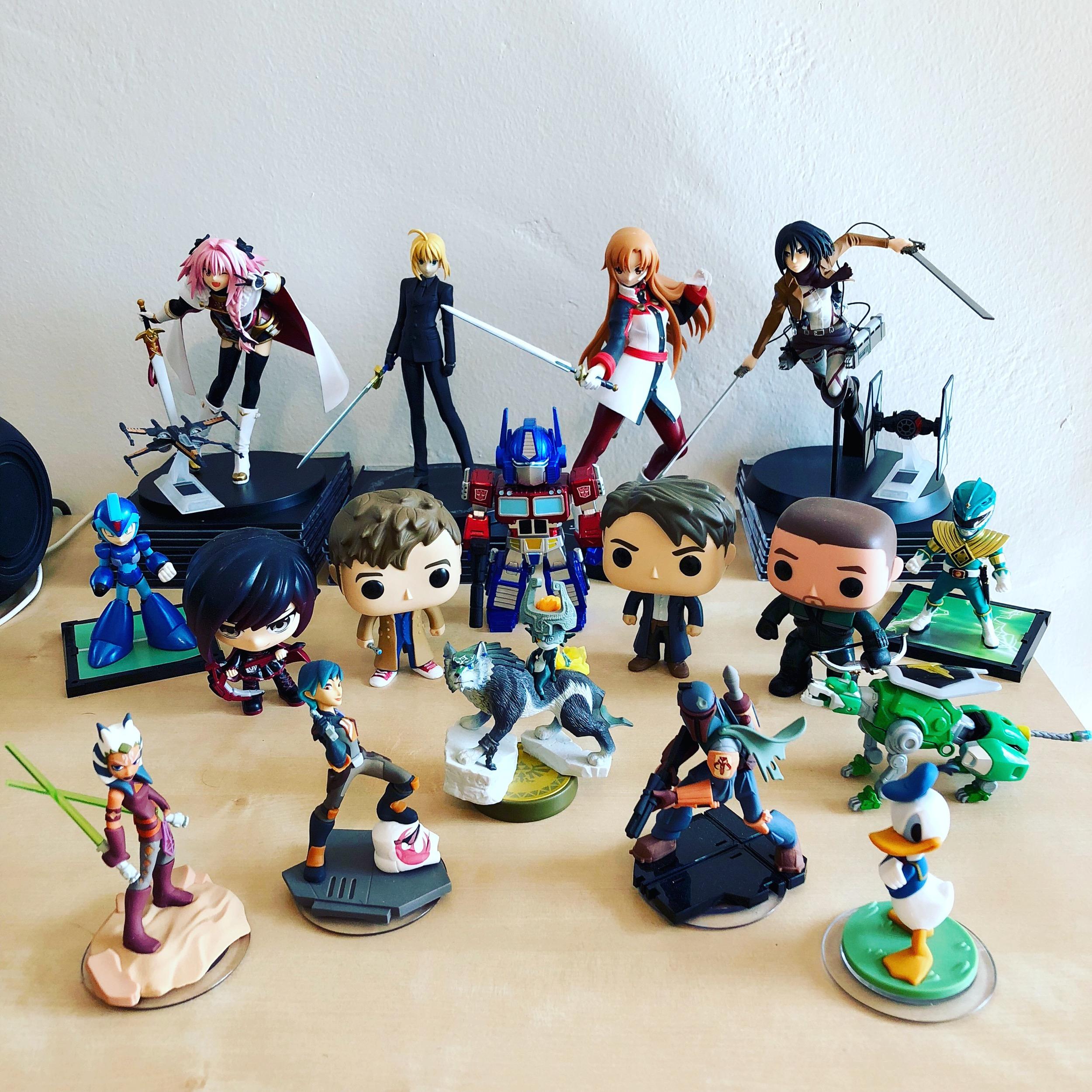 Desk Army 12