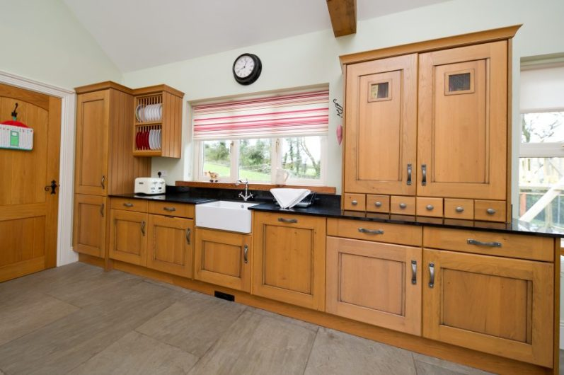 Pine Kitchen MacMedia Cork