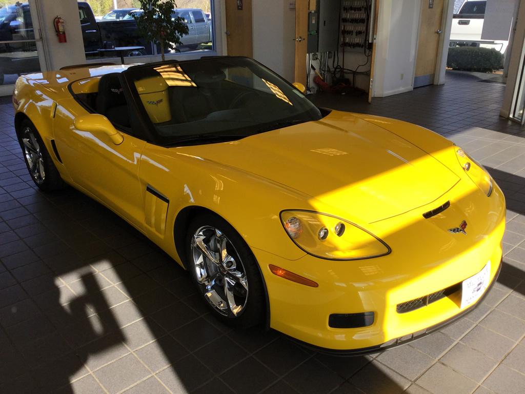 available 2011 corvette grand sport convertible 3lt. Black Bedroom Furniture Sets. Home Design Ideas