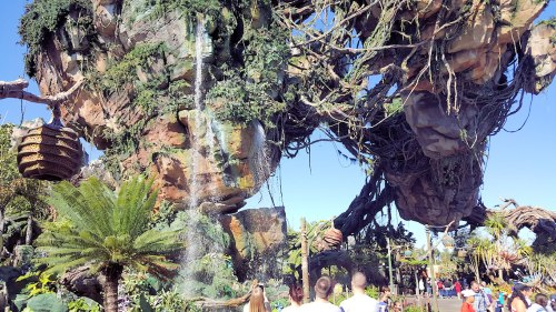Pandora Floating Mountains Web