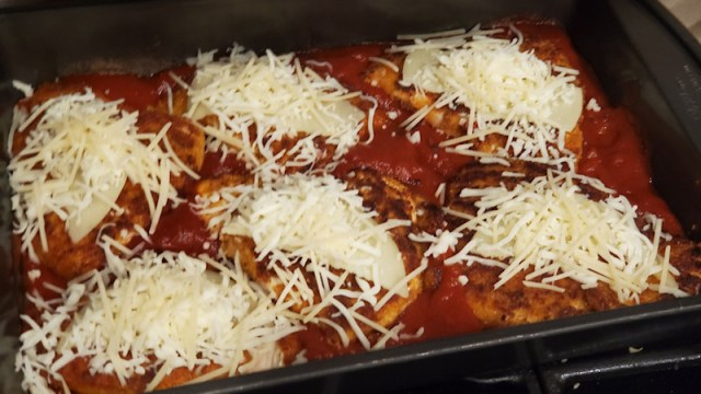 Chicken parmesan with cheese - pre bake