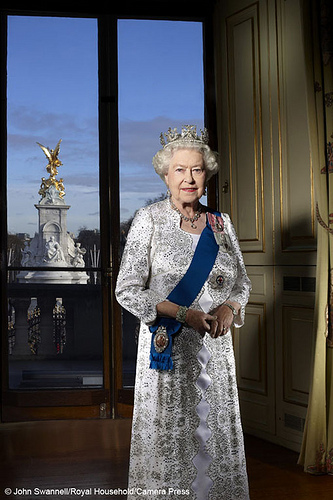 Queen of England & UK