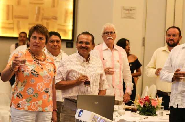 Martín de la Cruz llamó a mantener la paz laboral que reina en Quintana Roo