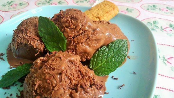 helado de chocolate vegano