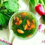 Sopa de ortigas y almendras