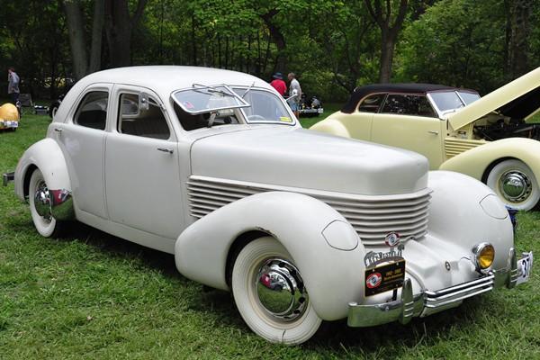 1936 Cord 810 Sedan
